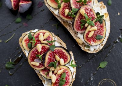 Toasted Bread with Quark & Fresh Figs