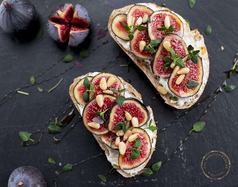 Bread with Quark & Fresh Figs